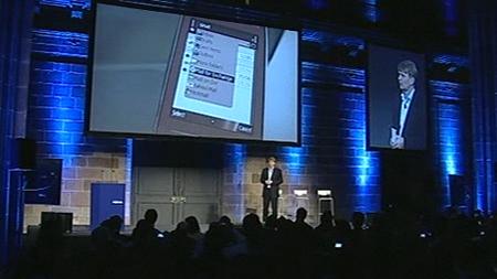 Un momento della conferenza stampa Nokia al GSMA Mobile World Congress 2009: sullo schermo il Nokia E75